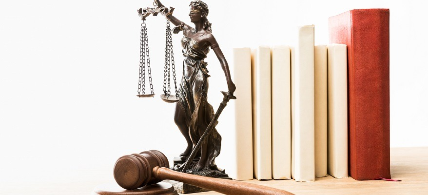 come diventare professore di diritto